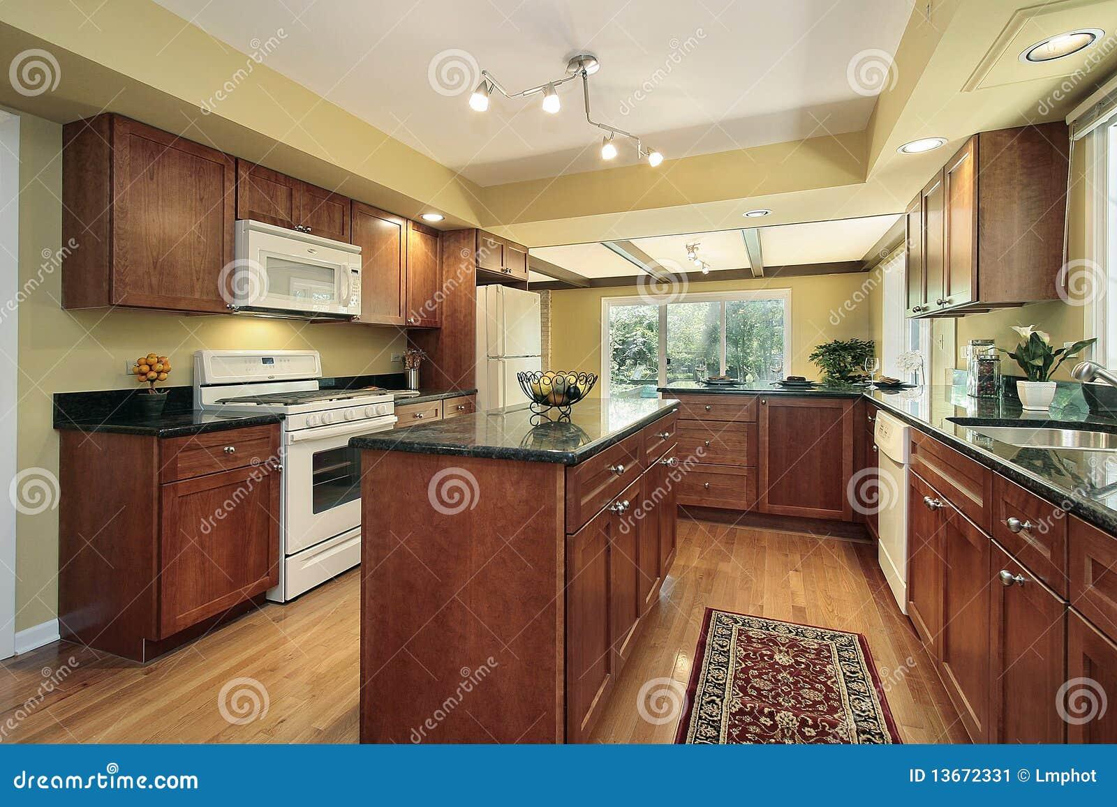 Comblack Granite Kitchen : Kitchen With Black Granite Counters Stock Image - Image: 13672331