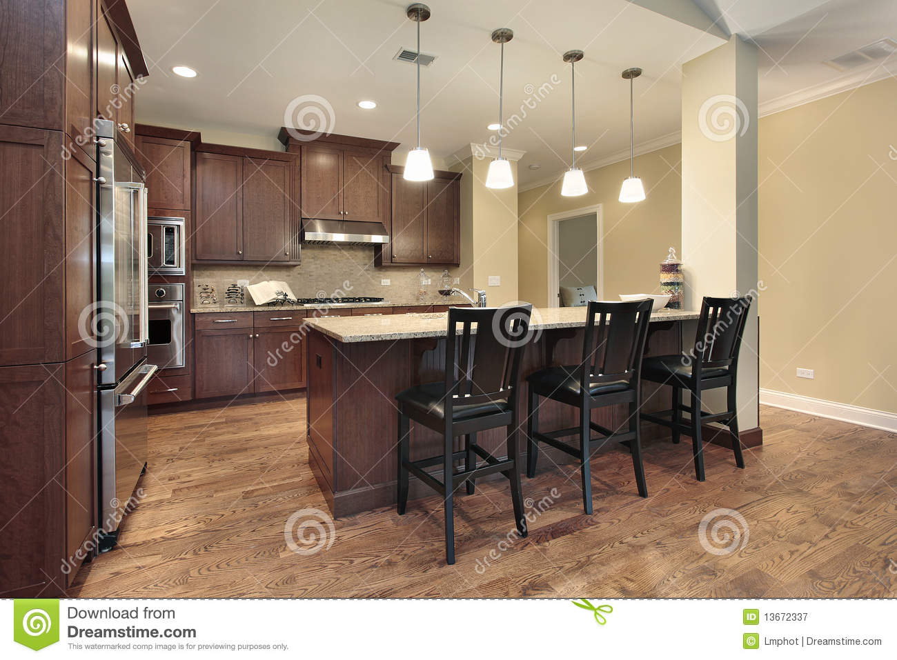 Kitchen With Breakfast Bar Royalty Free Stock Photography
