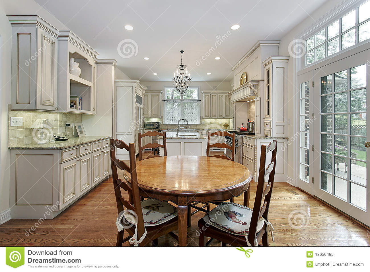 Kitchen With Island And Eating Area Royalty Free Stock