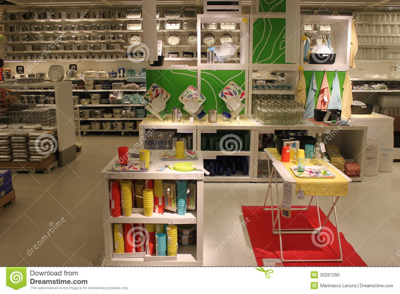 kitchen items editorial image kitchen items various kinds sizes shop : kitchen items store