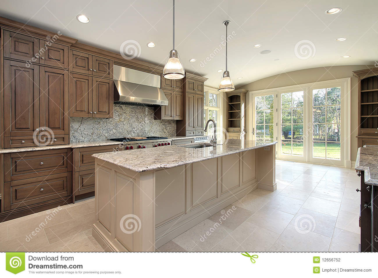 Kitchen With Large Marble Island Stock Photography Image