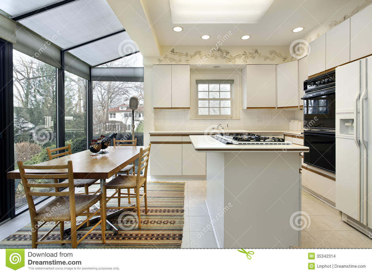 Kitchen With Sliding Doors To Patio Stock Images - Image: 35342314