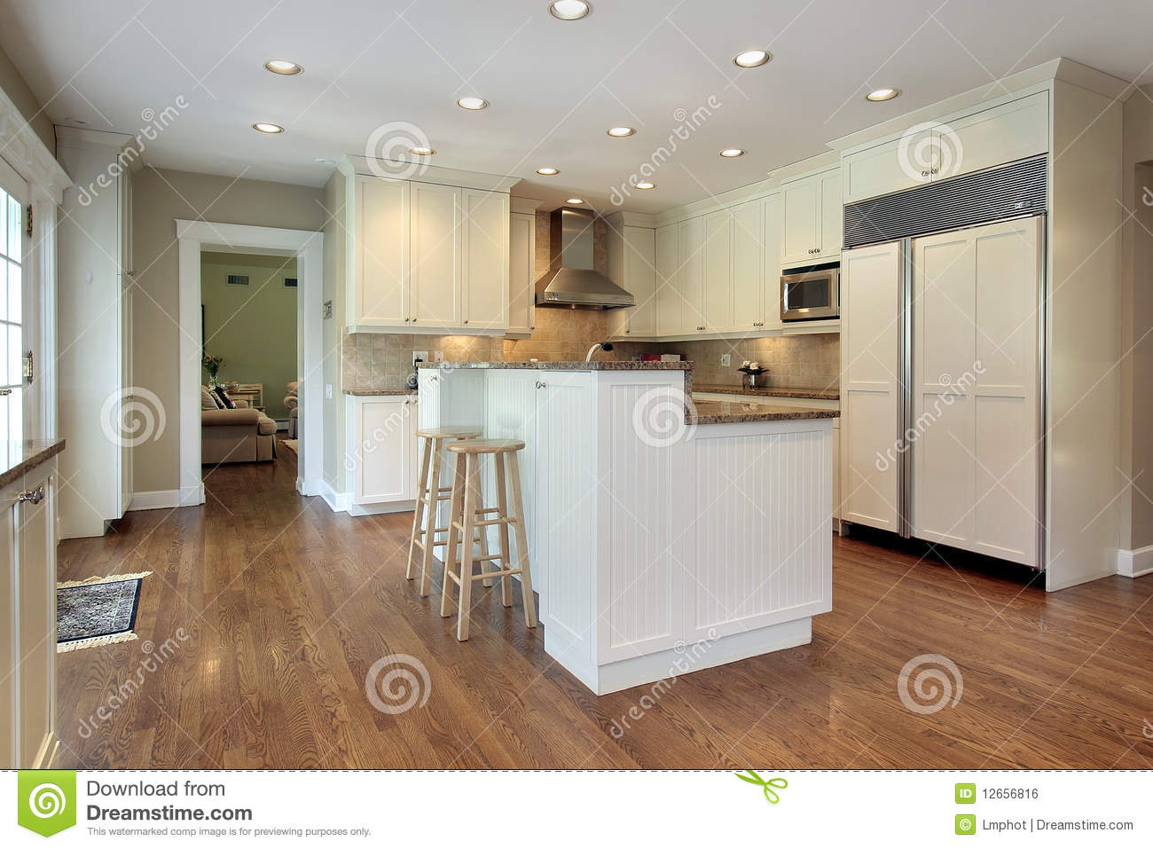 Kitchen With Two Tiered Island Royalty Free Stock Image