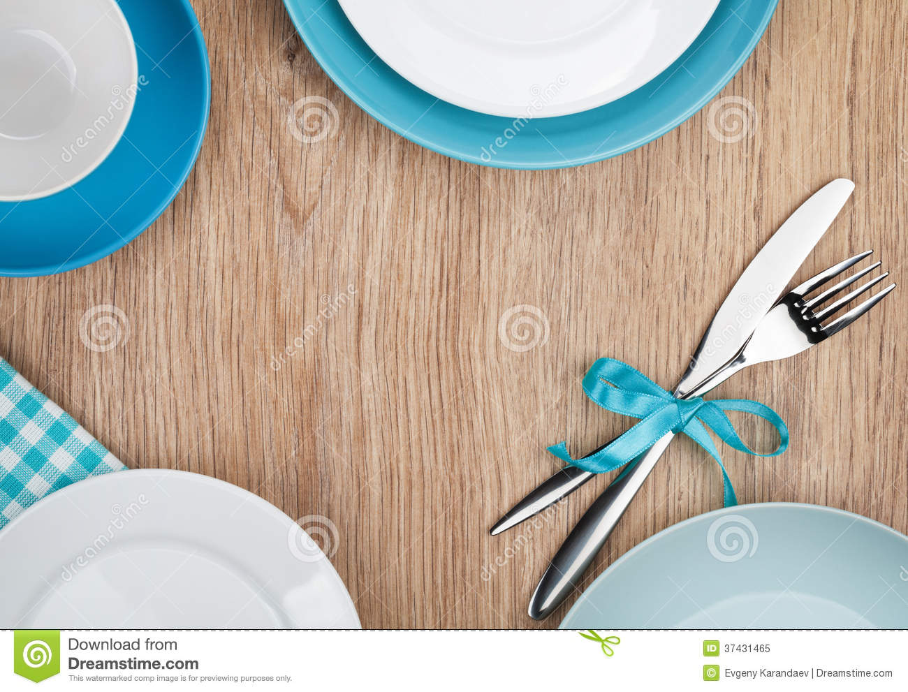 Kitchen utensils over wooden table royalty free stock for Table utensils