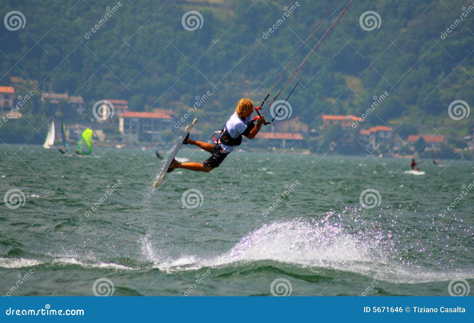 Kitesurfer branchant