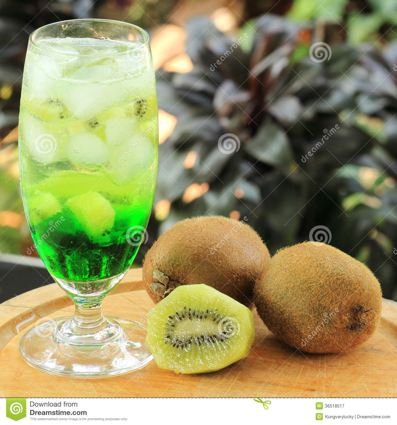Kiwi juice Soda served with kiwi fruit in afternoon.