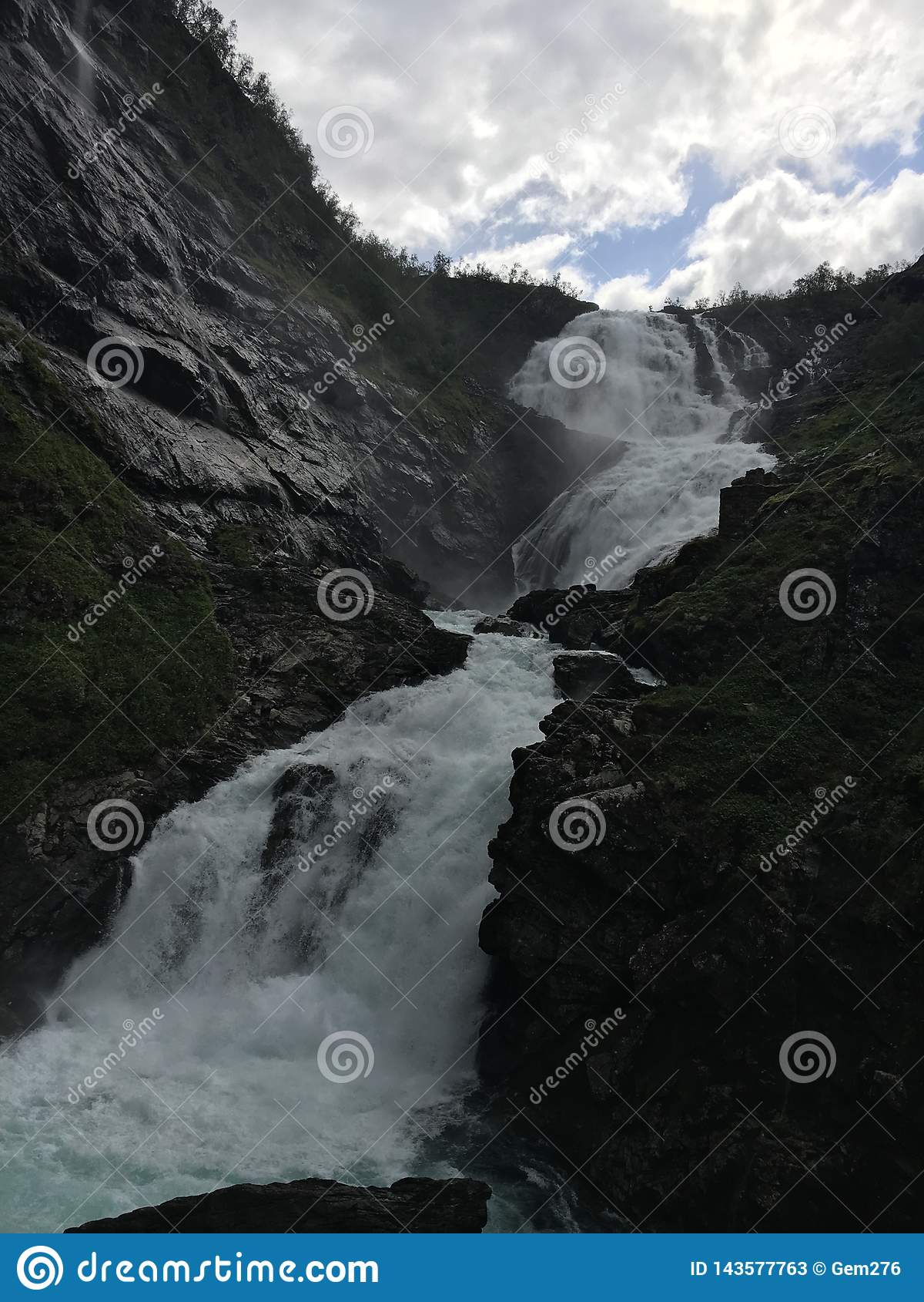 Kjossfossen vattenfall i Norge