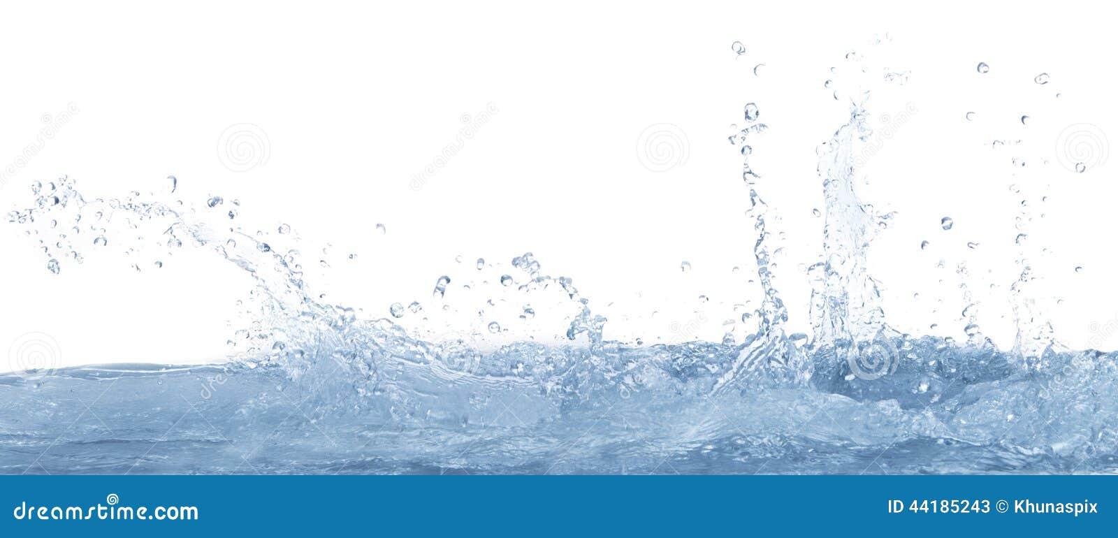 Klares Wasser auf weißem Hintergrundgebrauch für Erfrischung spritzend und kühlen Sie Trinkwasserhintergrund ab