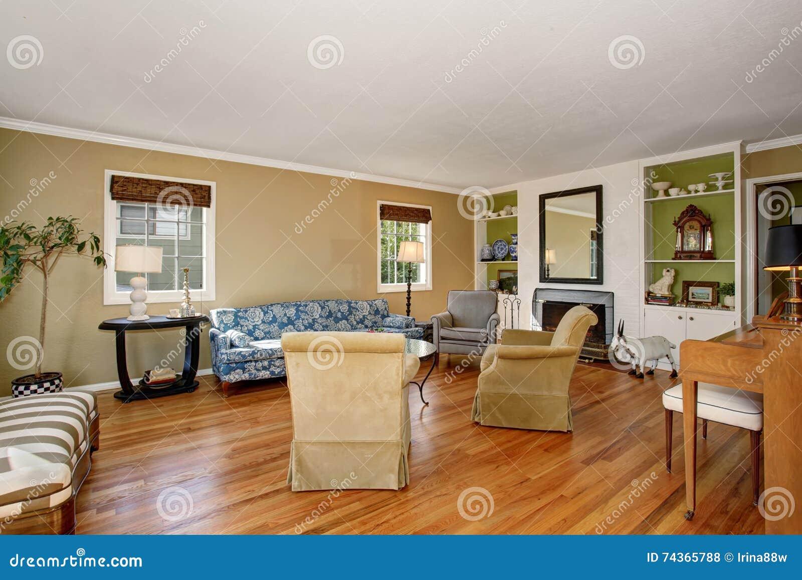 Klassiek amerikaans woonkamerbinnenland beige en groene for American house interior design