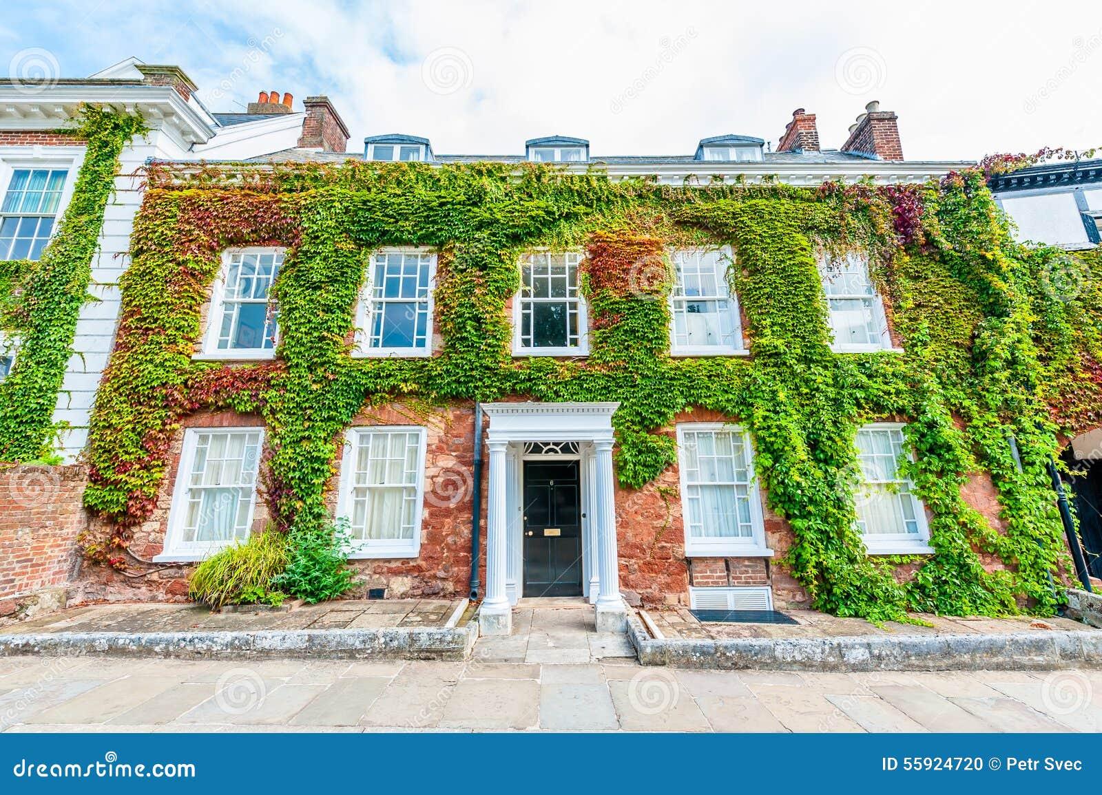 Klassiek brits huis in de stad stock foto afbeelding 55924720 - Foto huis in l ...