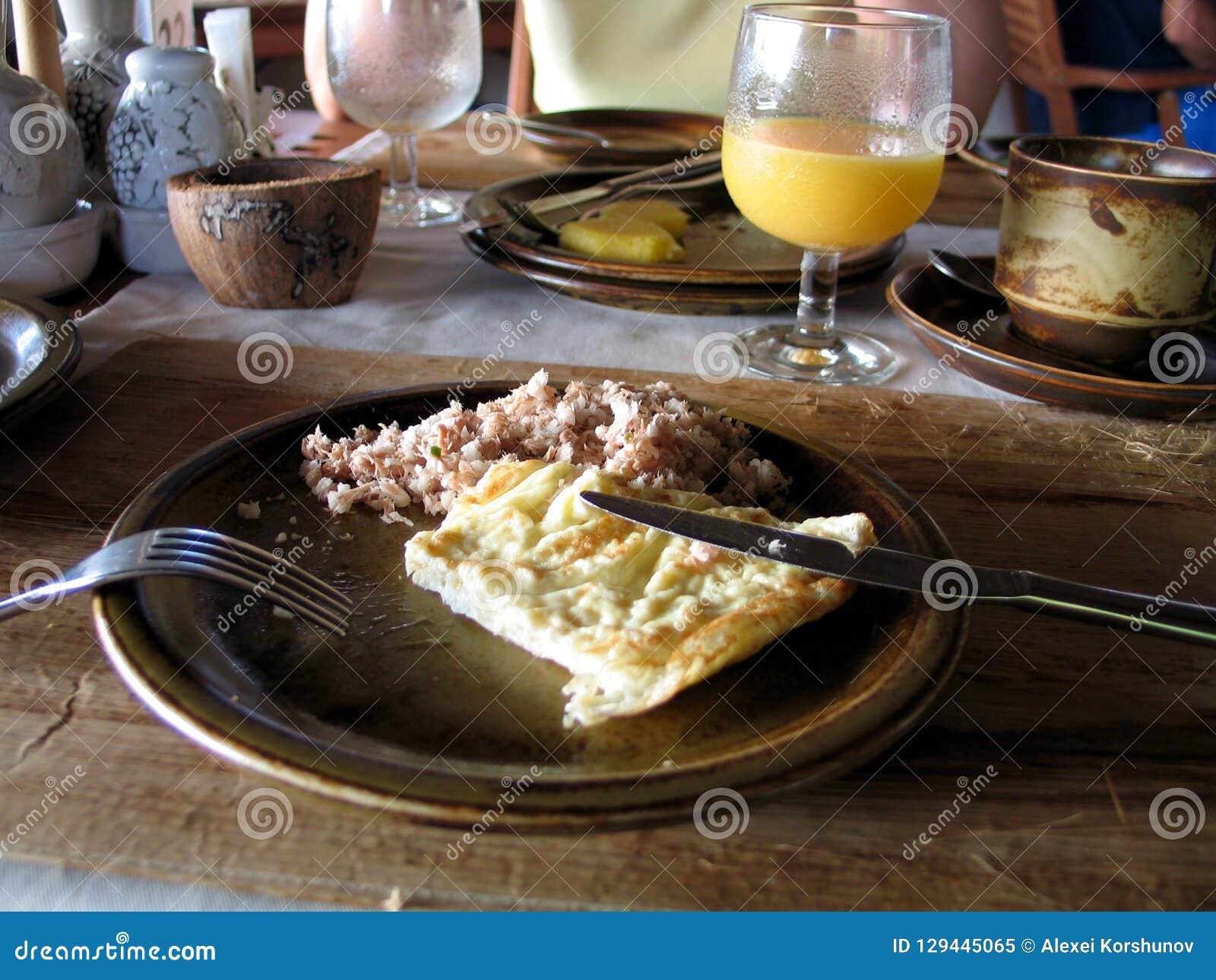 Klassiek ontbijt bij Maldivian hotel