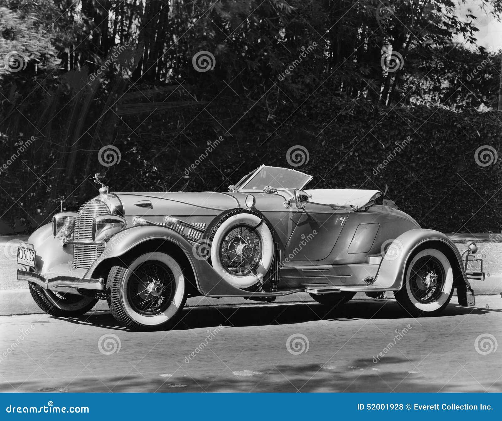 Klassieke auto (Alle afgeschilderde personen leven niet langer en geen landgoed bestaat Leveranciersgaranties dat er geen model r