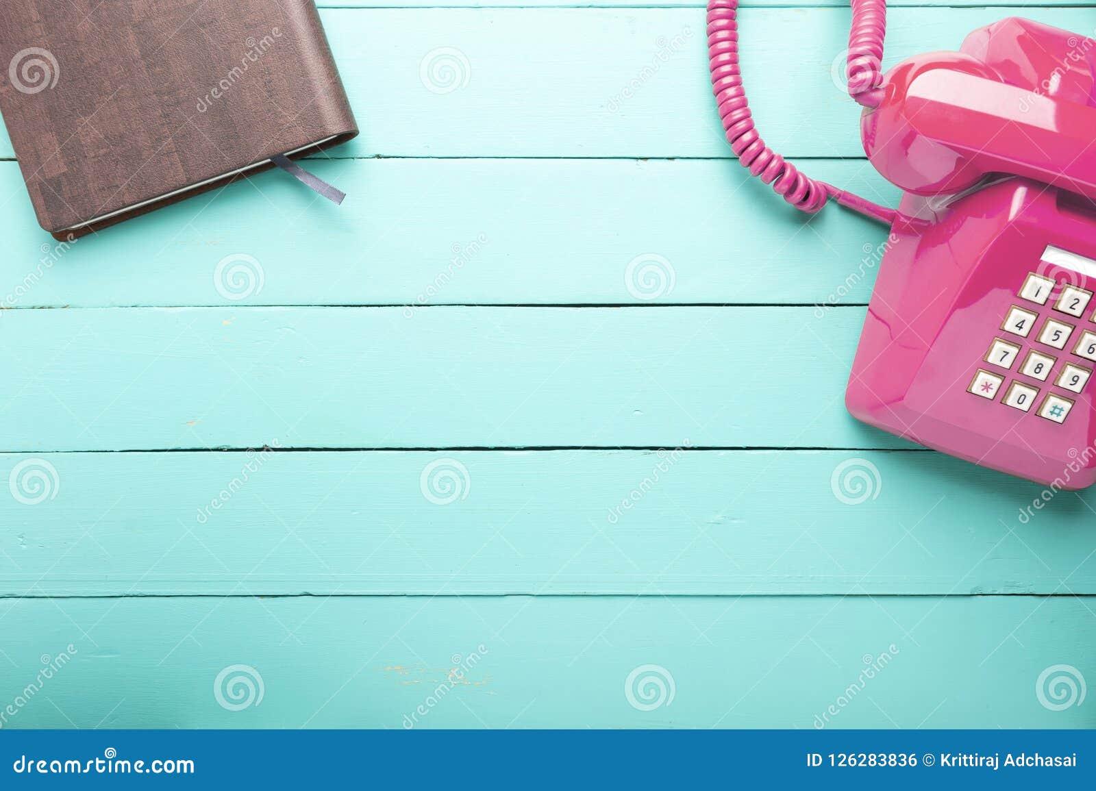Klassieke roze telefoon