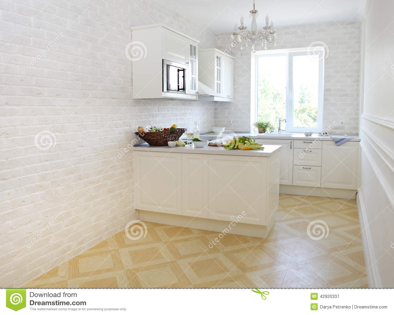 Klassieke witte keuken thuis stock foto afbeelding 42920337 - Keuken wereld thuis ...