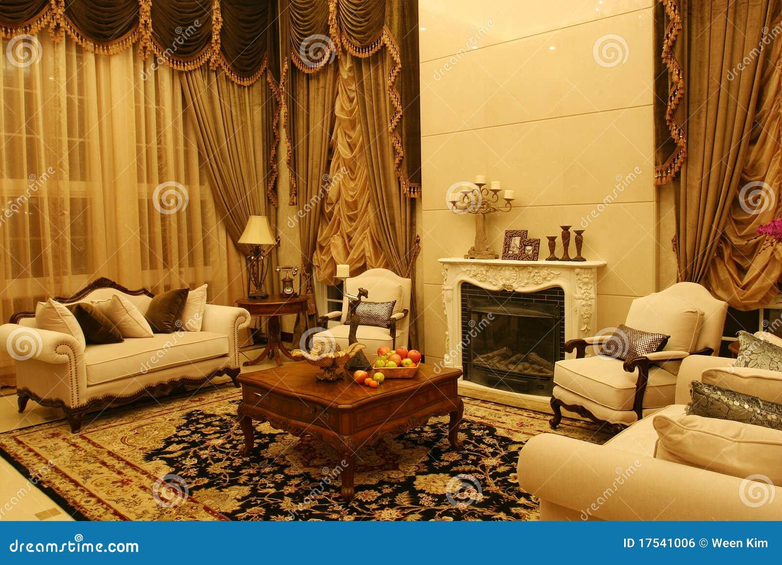 Klassieke woonkamer stock foto afbeelding bestaande uit for Decoracion salas clasicas elegantes