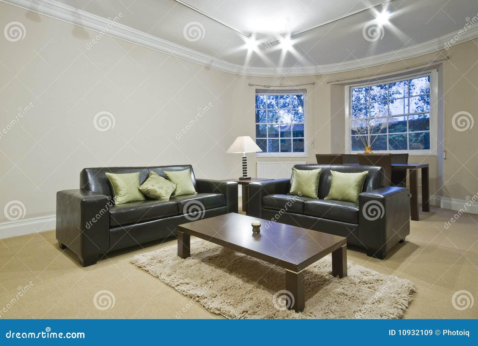 Klassieke woonkamer met ovale erker stock afbeelding for Klassieke inrichting woonkamer