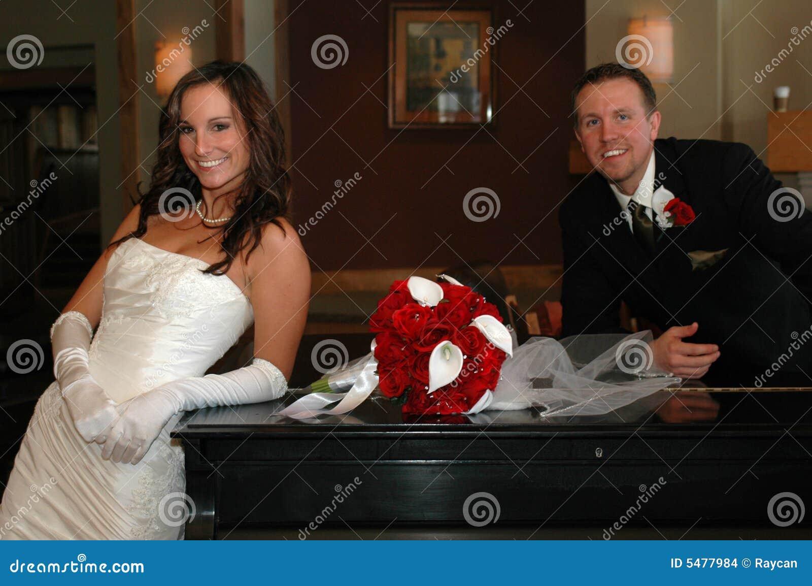 Klassische Braut und Bräutigam