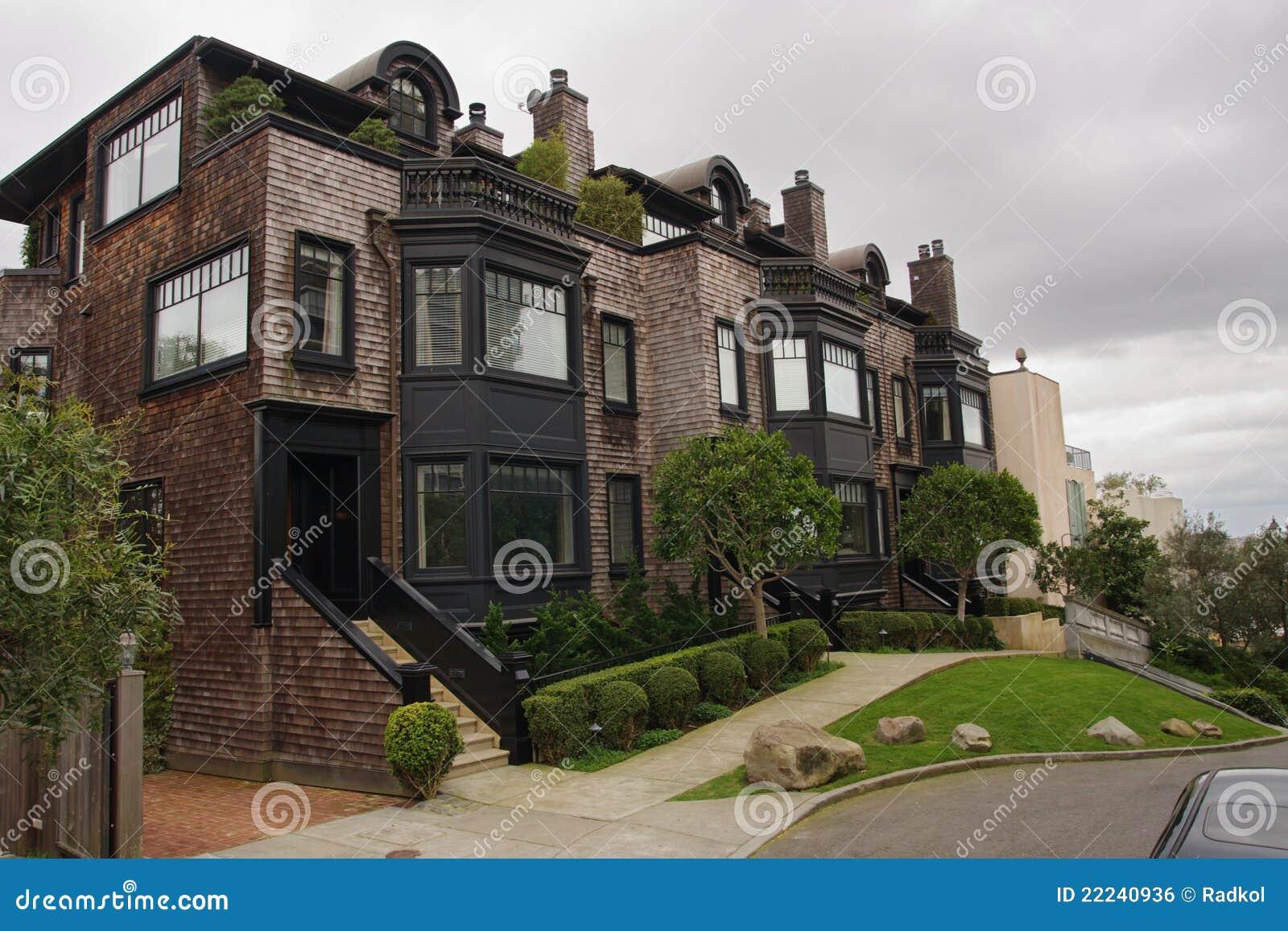Klassische Häuser uf ussischem Hügel In San Francisco ... size: 1300 x 957 post ID: 2 File size: 0 B