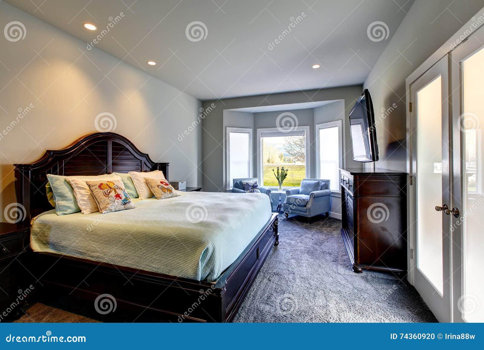 klassisches amerikanisches schlafzimmer mit grünen wänden und, Schlafzimmer
