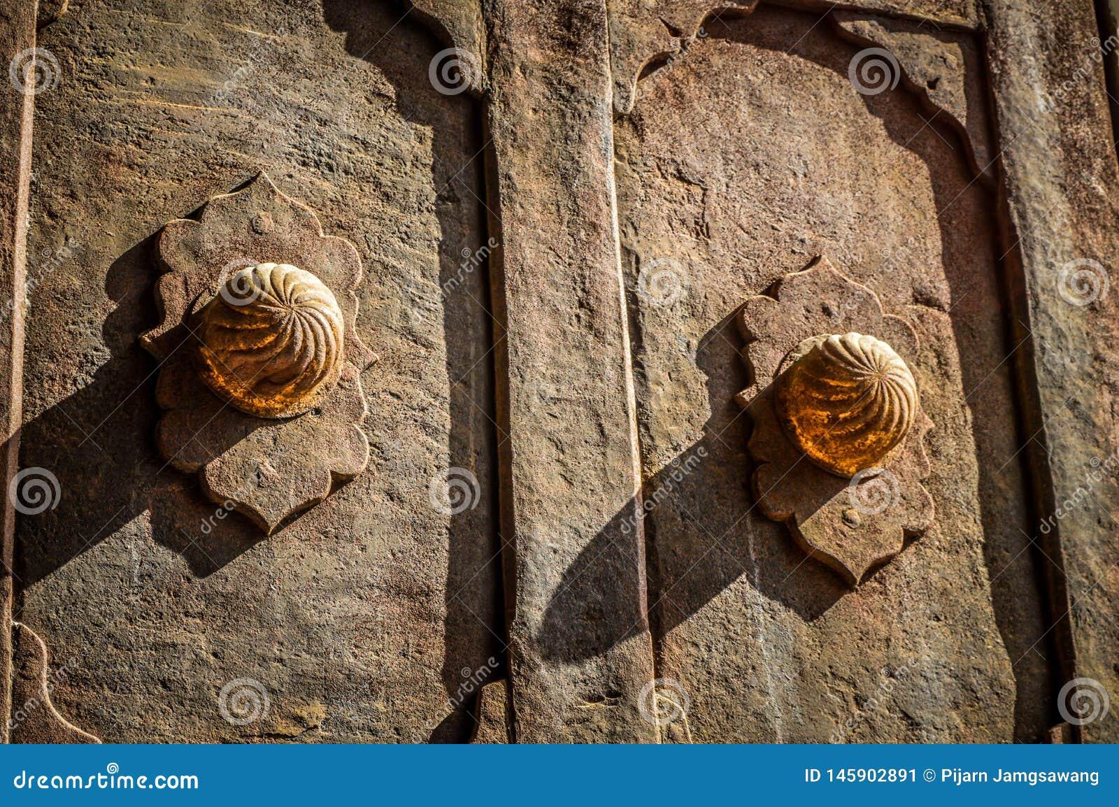 Klassiskt dörrhandtag i den Topkapı slotten