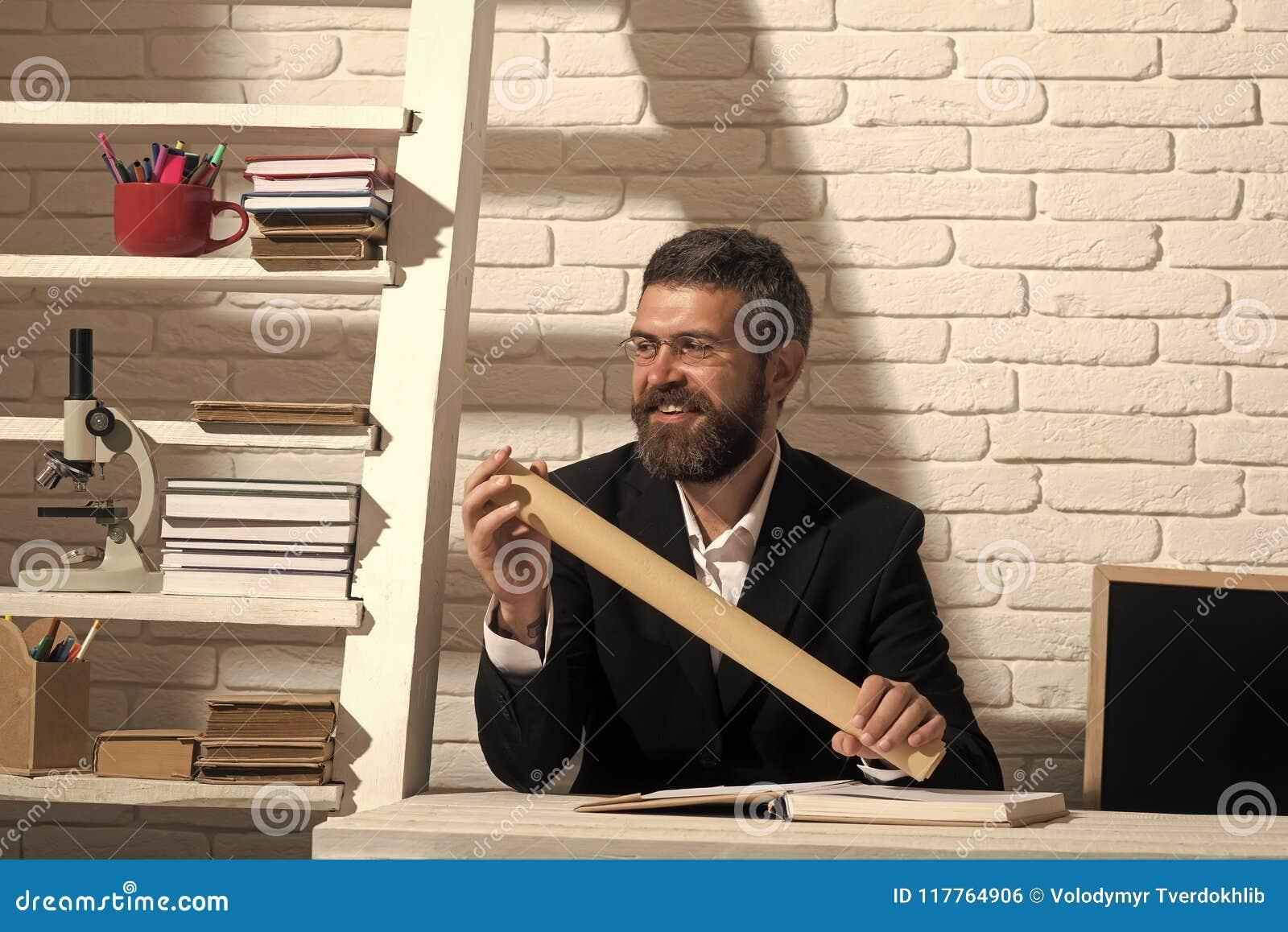 Klassiskt utbildnings- och kunskapsbegrepp uppsöka mannen