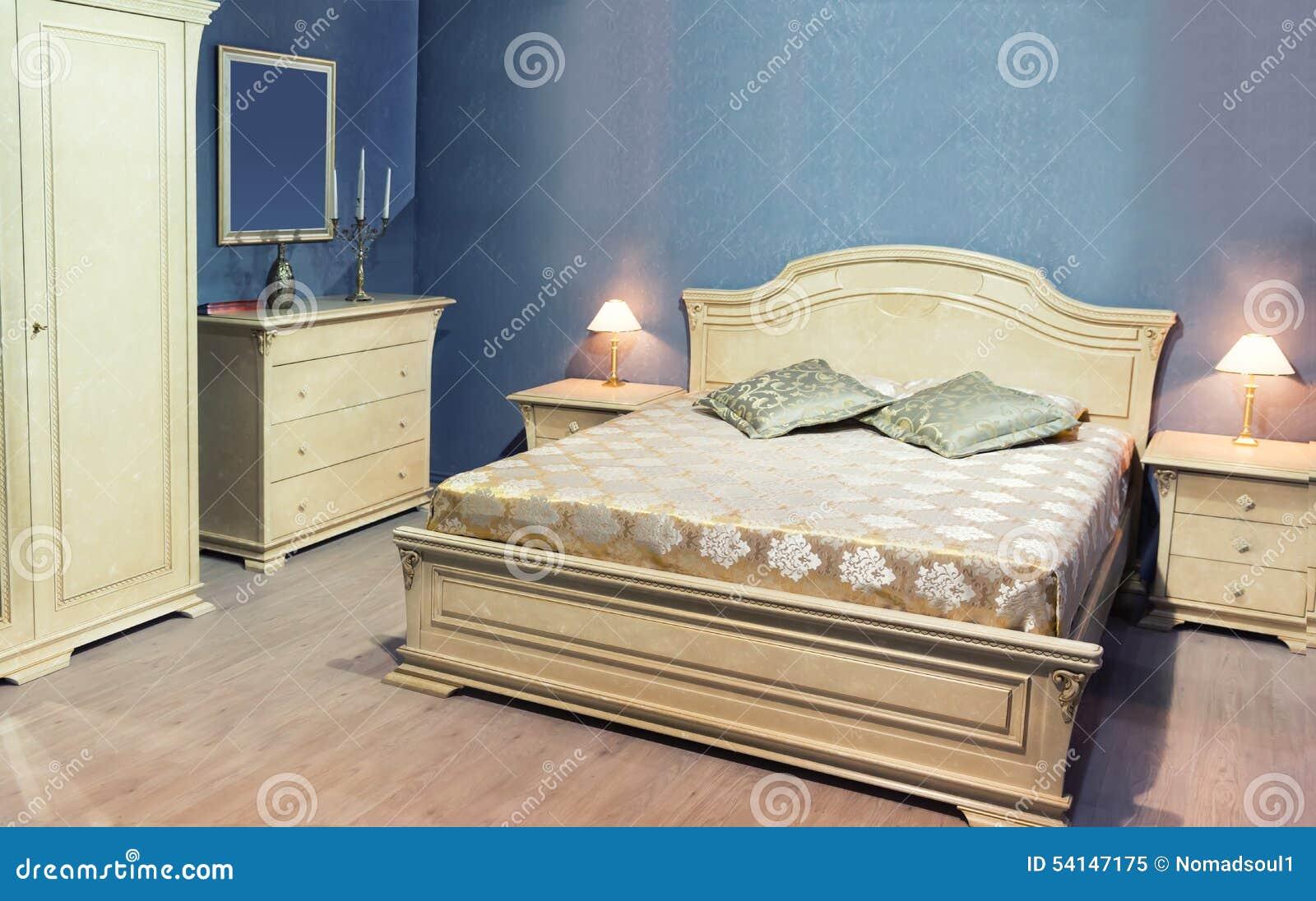Klasyczny łóżko