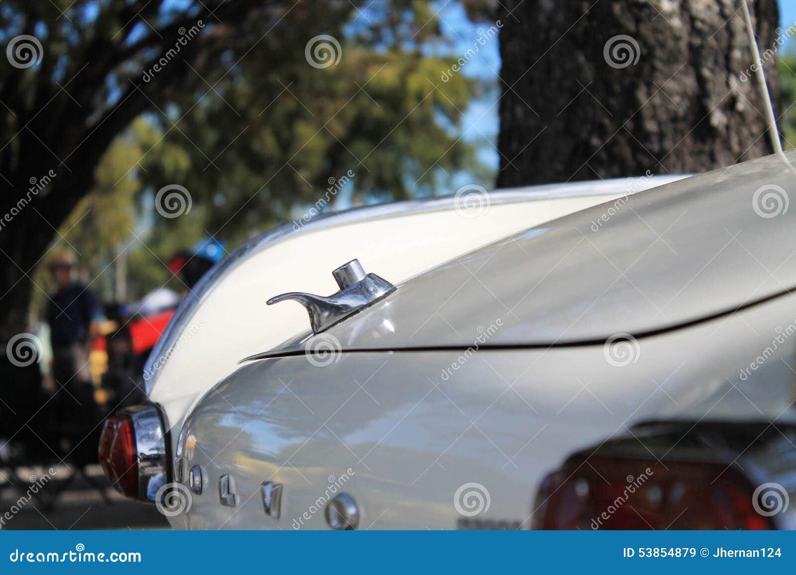 Klasyczny luksusowy europejski samochodowy tylni szczegół
