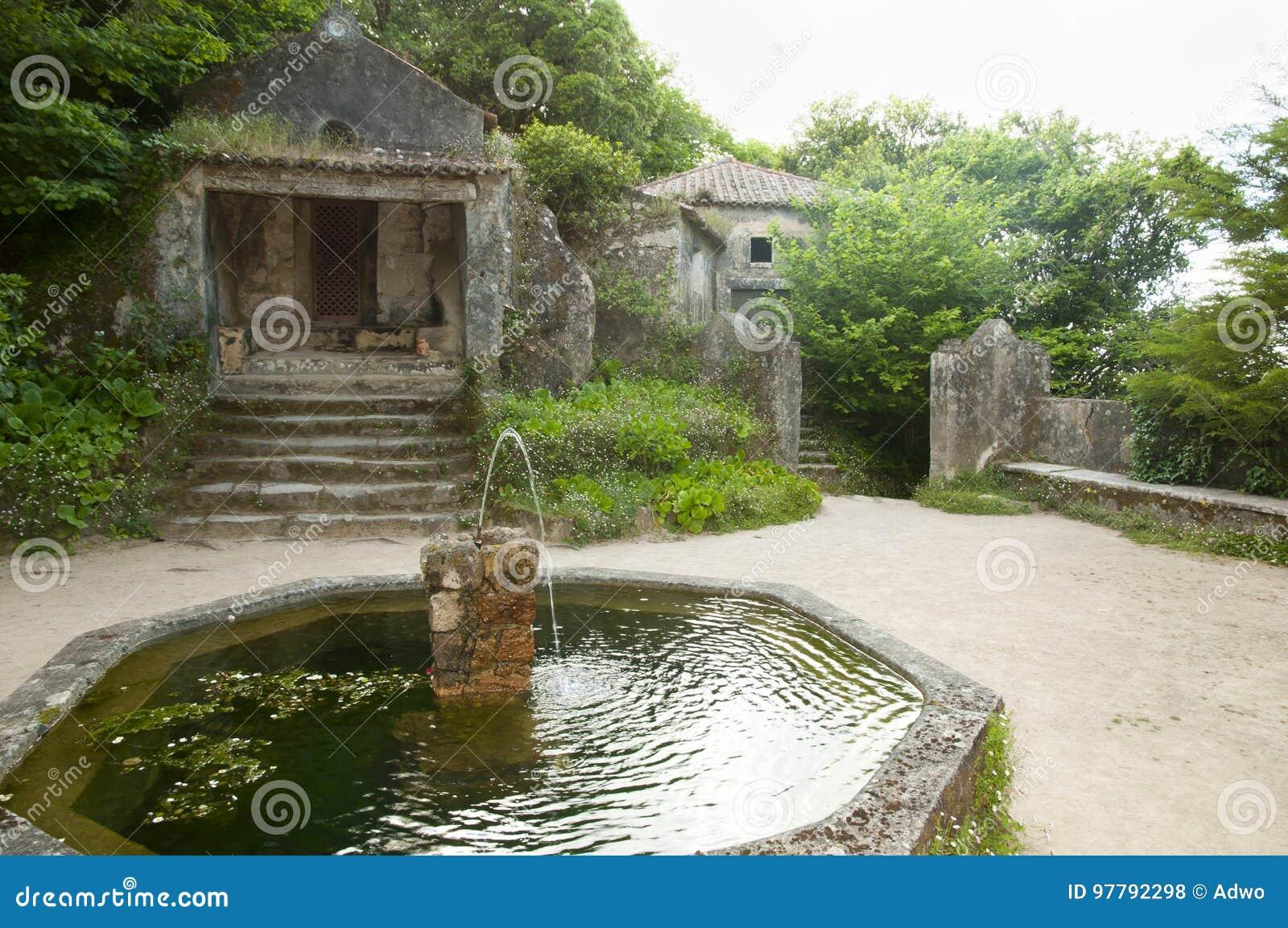 Klasztor Capuchos, Sintra, Portugalia -