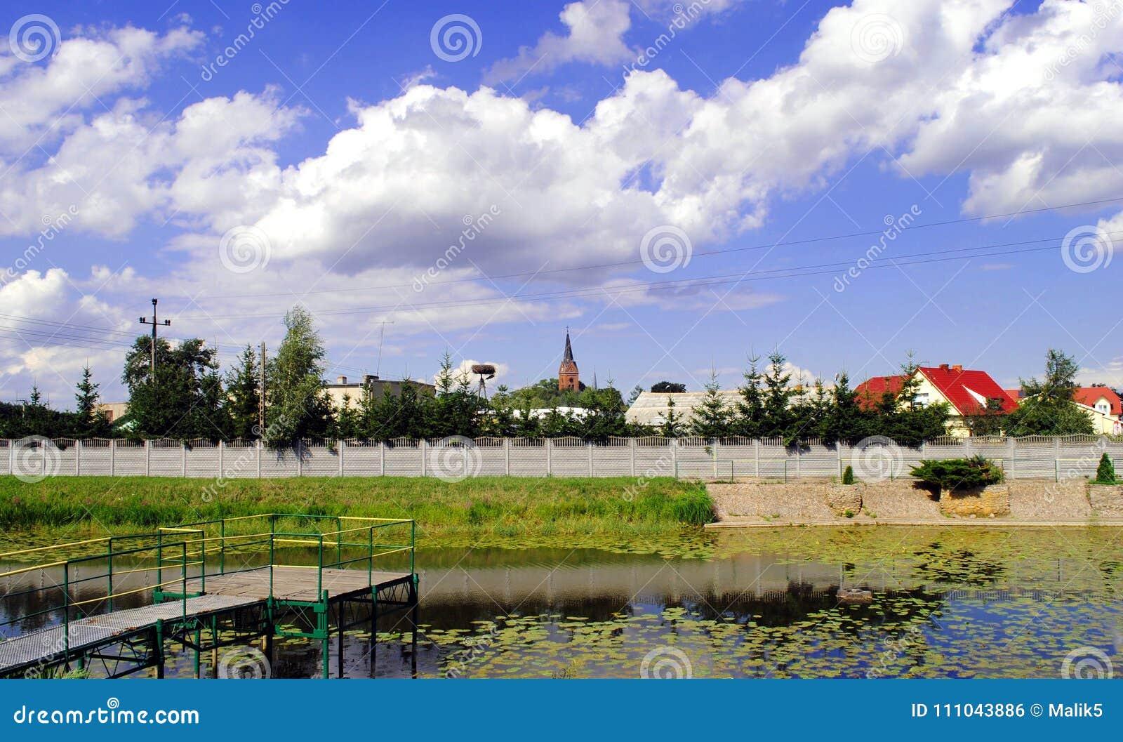 "Klein dorp dichtbij Å"" erkà ³ w in Jarocin-Provincie, Groter Polen Voivodeship, Polen"