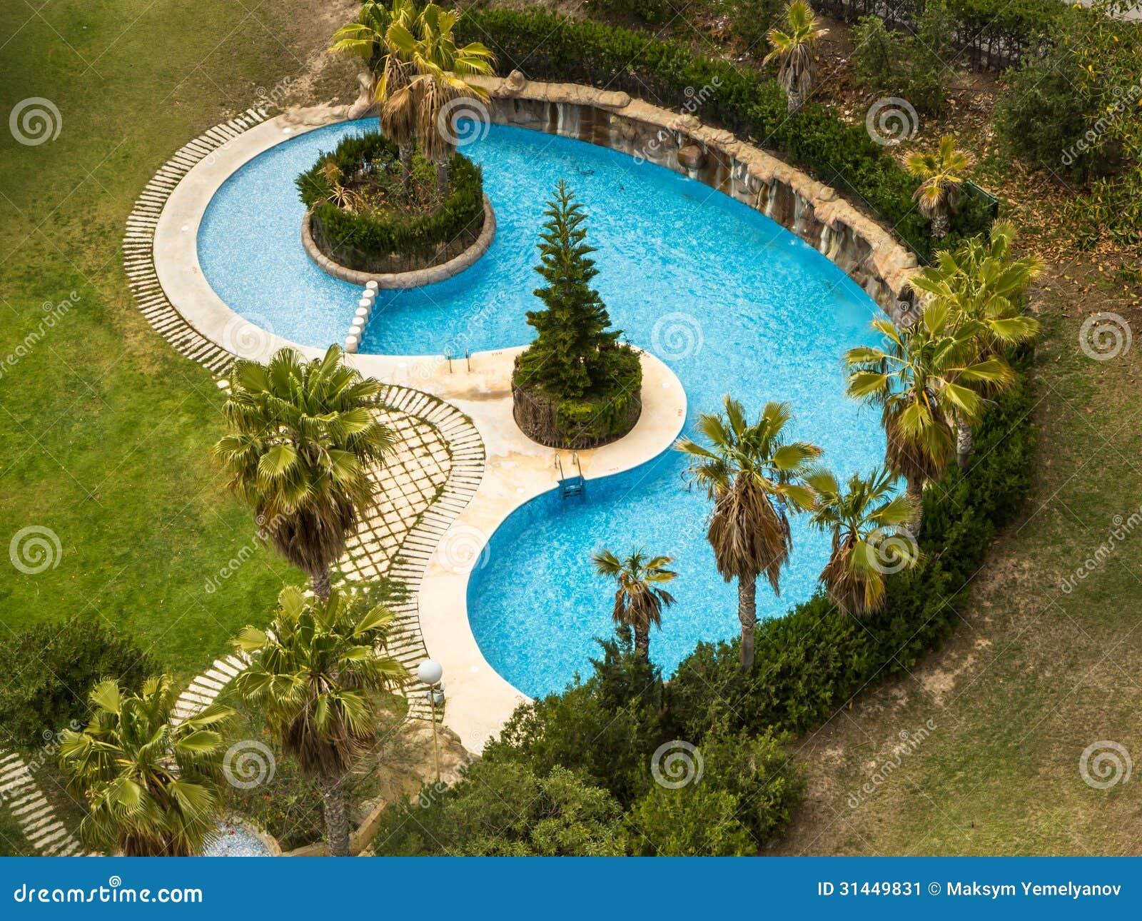 Klein zwembad stock afbeelding afbeelding bestaande uit for Klein zwembad