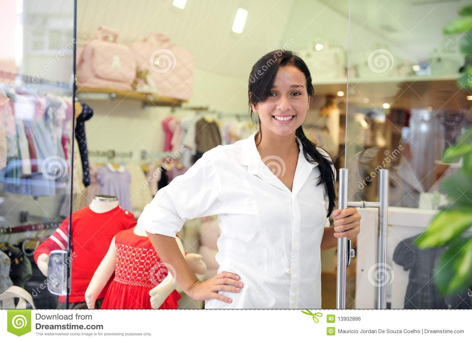Kleine bedrijfseigenaar: trotse vrouw