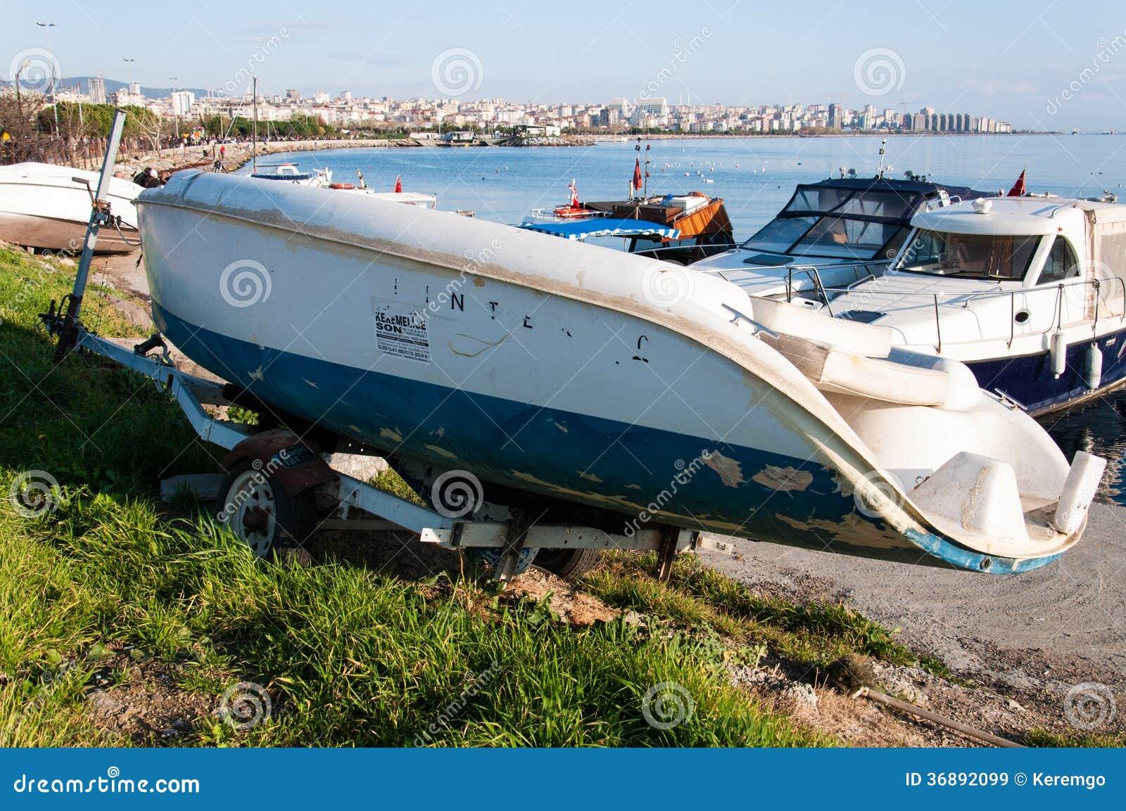 Kleine boot op de Voorraden