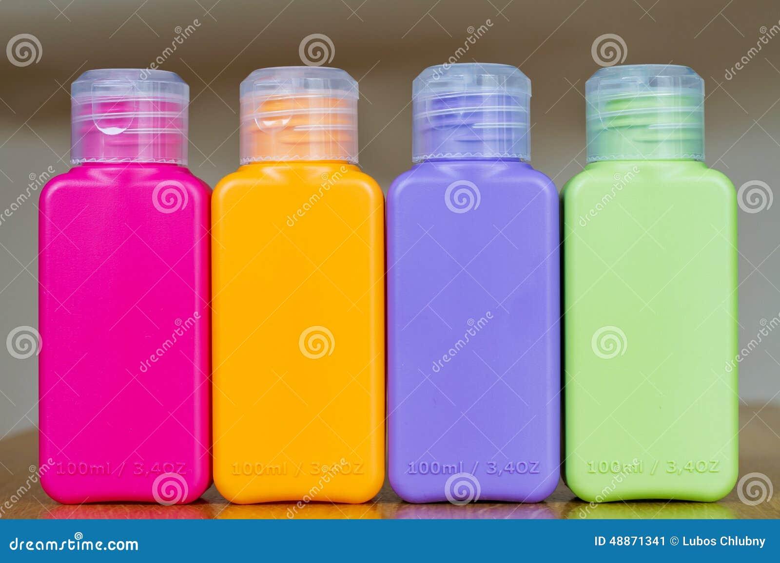 kleine farbige plastikflaschen stockfoto bild 48871341