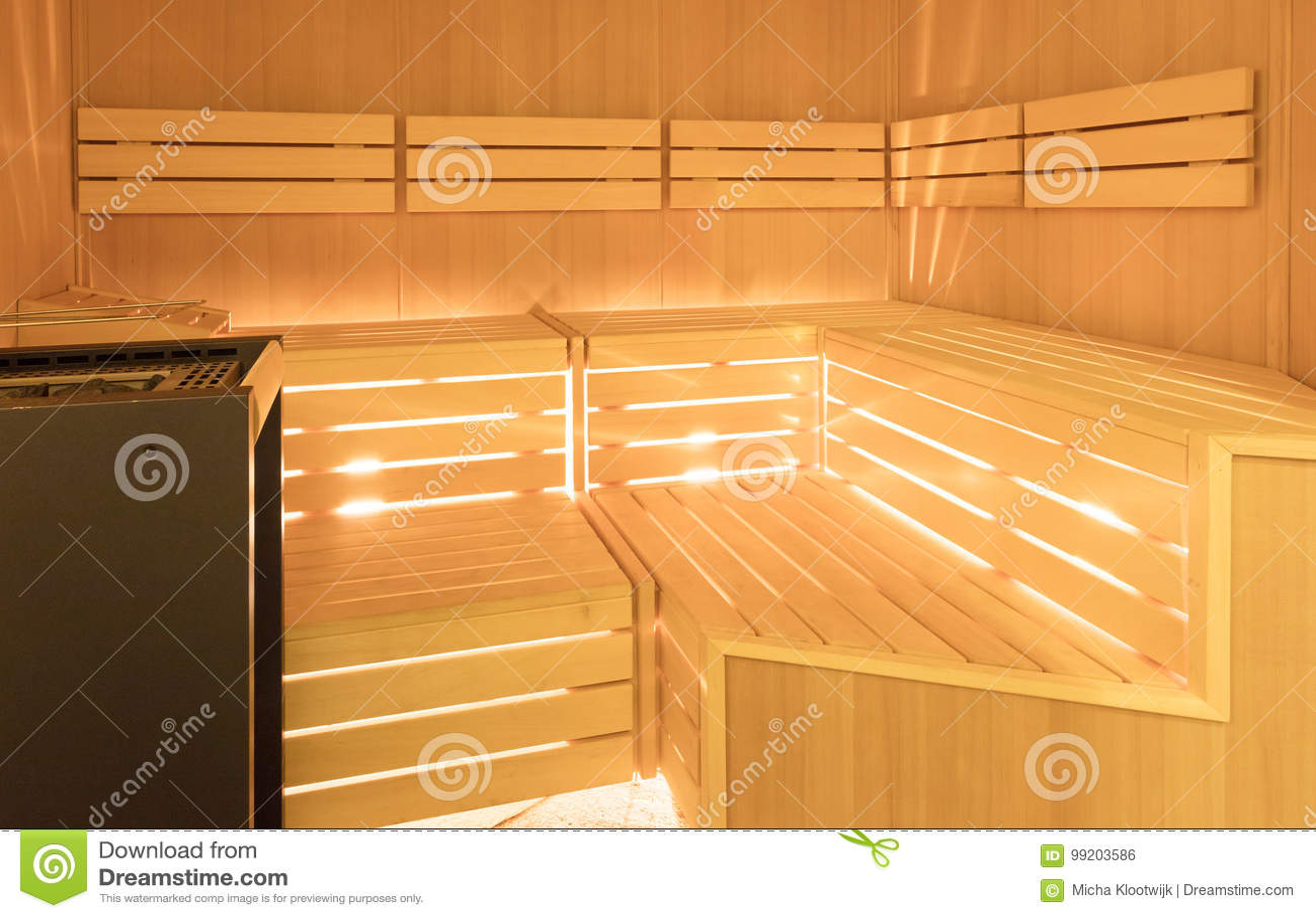 Sauna In Huis : Kleine huis finse houten sauna stock foto afbeelding bestaande