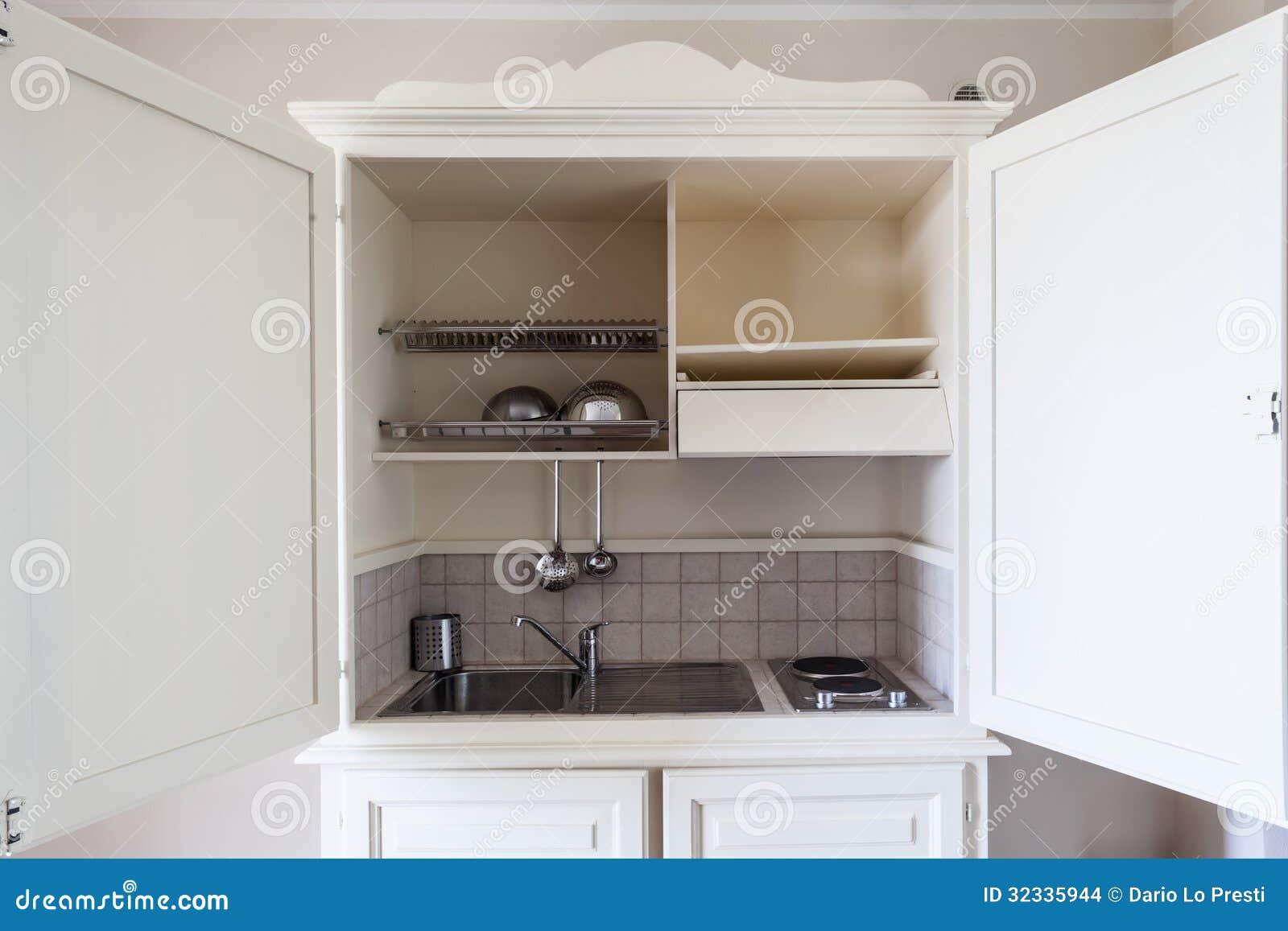 Kleine keuken stock foto. afbeelding bestaande uit leeg 32335944