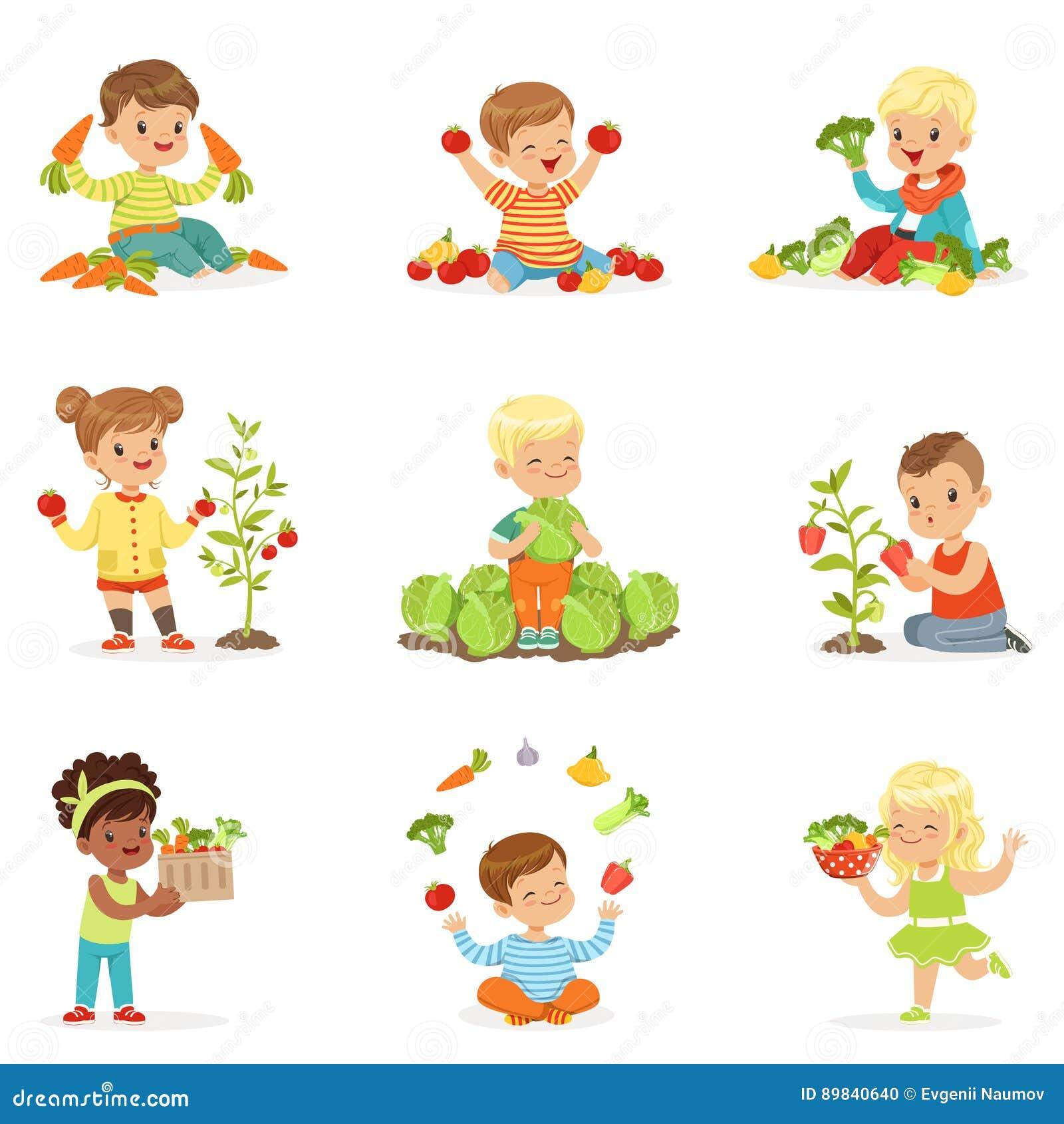 Kleine kinderen die pret hebben die en met groenten spelen, voor etiketontwerp worden geplaatst Het beeldverhaal detailleerde kle