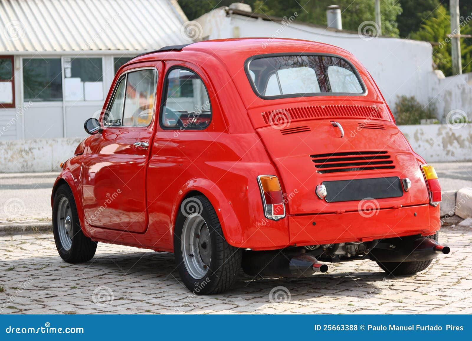 kleine klassieke rode auto stock foto afbeelding. Black Bedroom Furniture Sets. Home Design Ideas