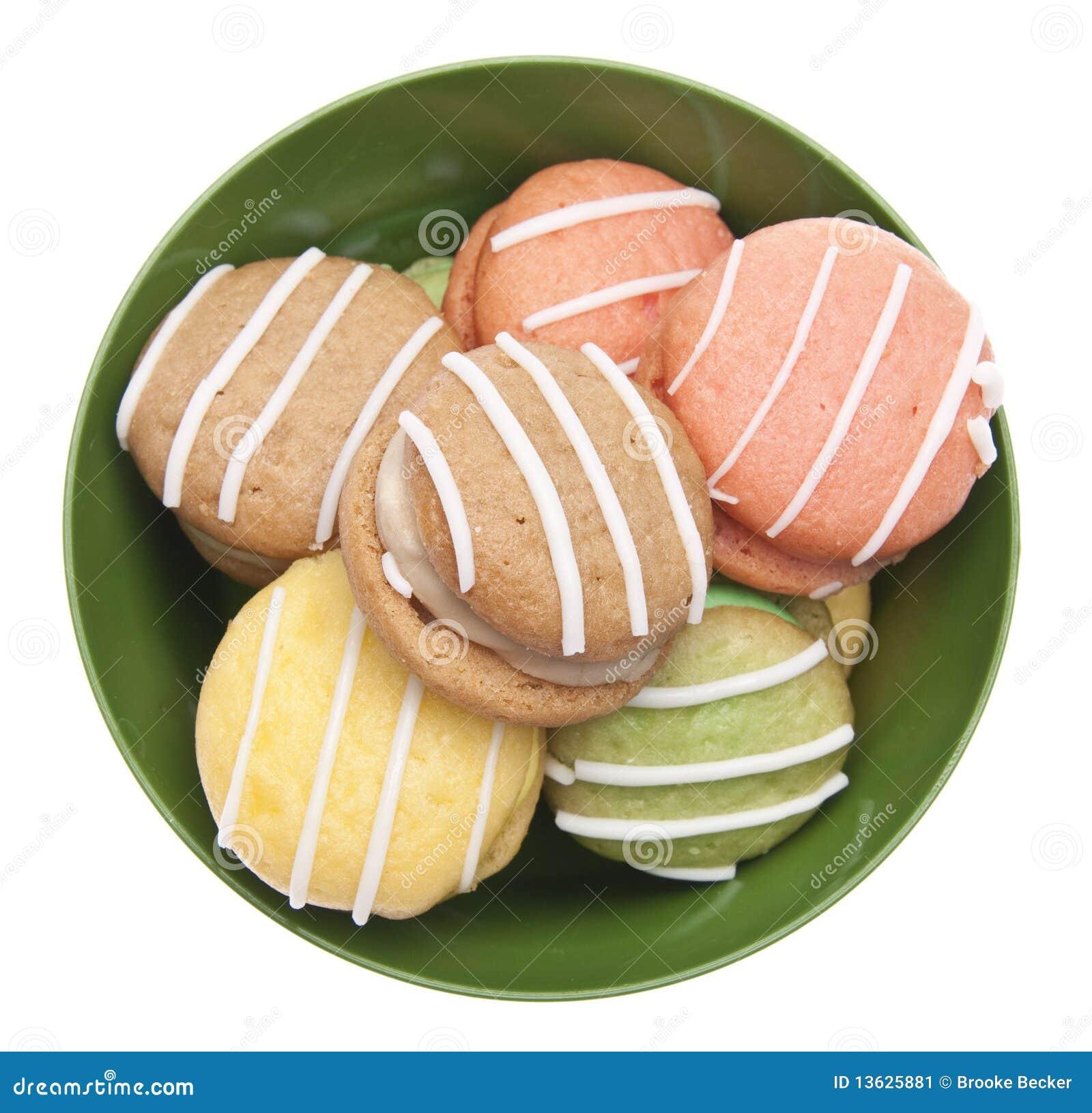 Kleine Kuchen In Einer Schüssel Stockbild - Bild: 13625881
