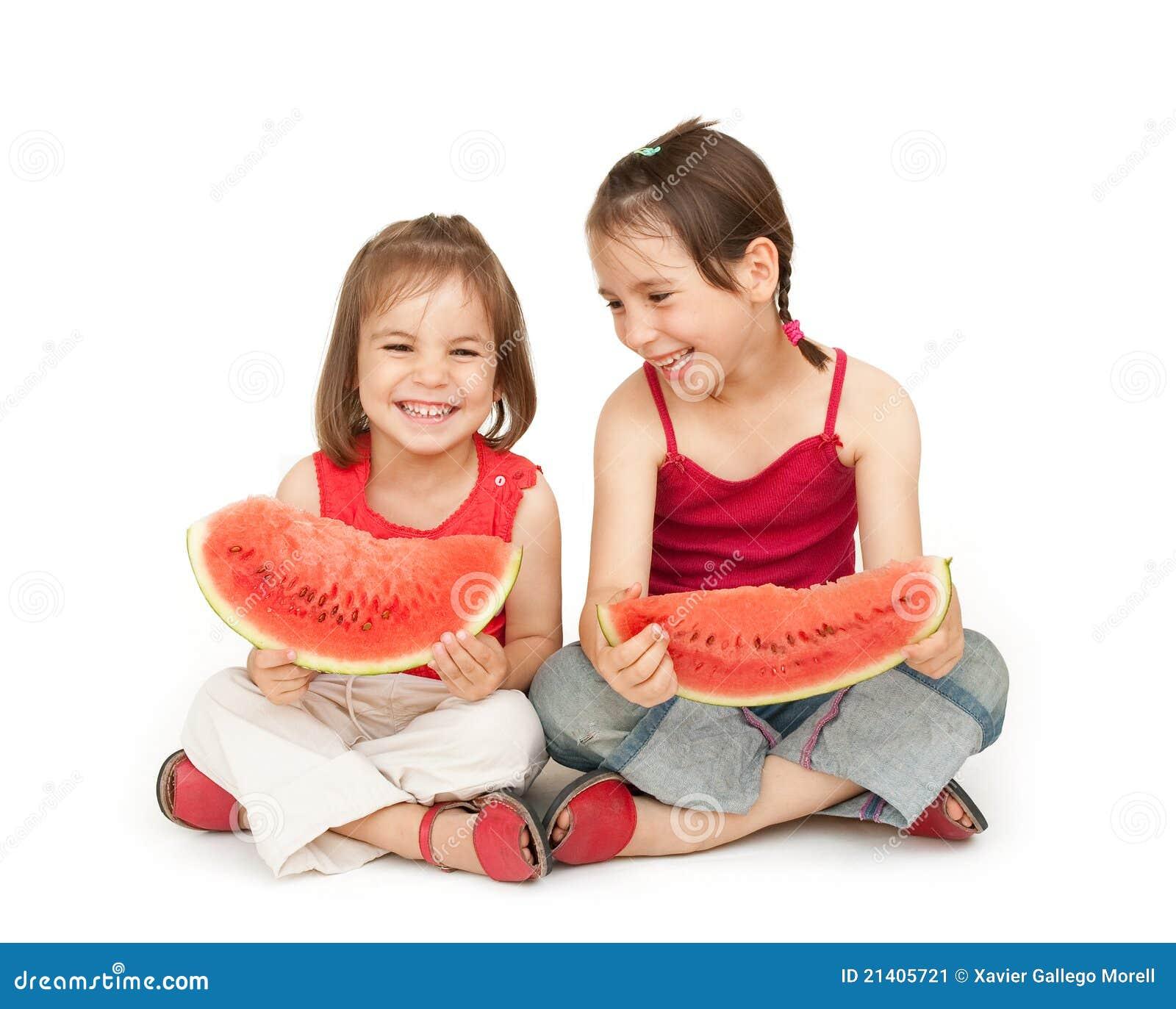 Kleine M Dchen Die Wassermelone Essen Stockbild Bild