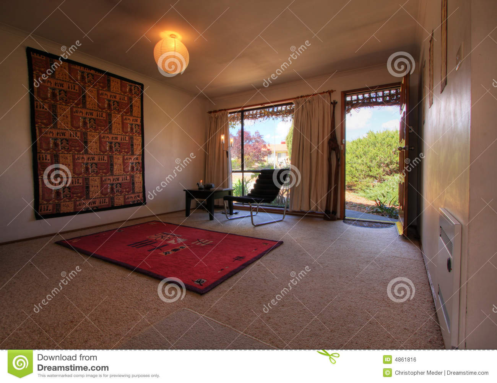 Kleine moderne woonkamer stock foto afbeelding bestaande uit