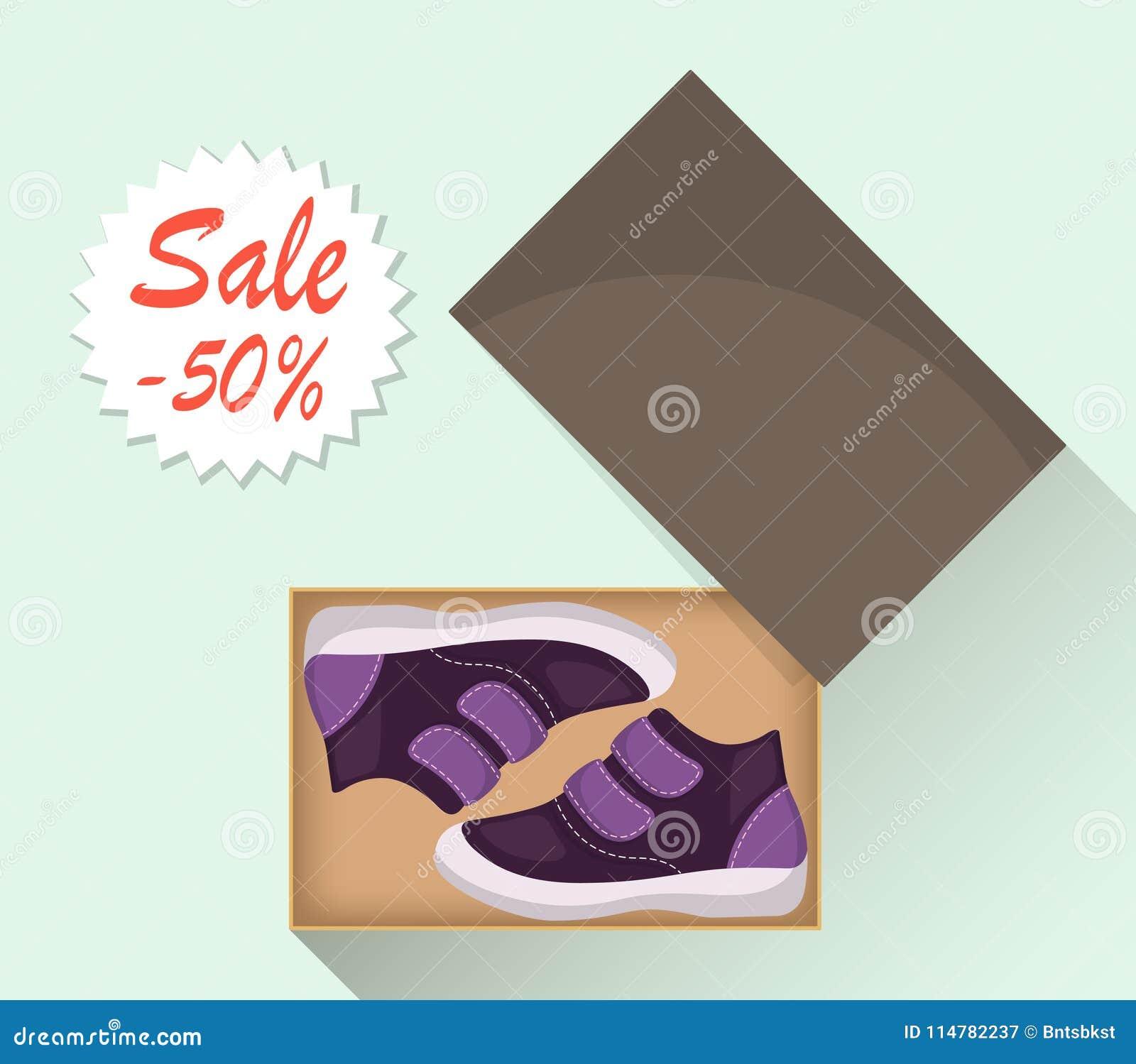 Kleine nette Babyschuhe im Kasten, Seitenansicht Verkauf mit einem Rabatt von 50 Prozent Zufällige violette Stiefel des Kind s Il