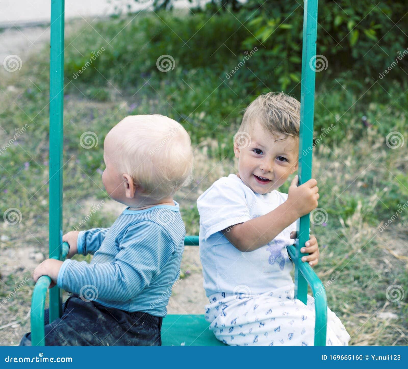 Süße jungs bilder Süße Jungs