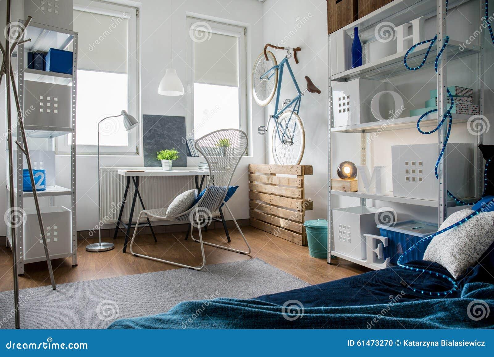 Kleine studio in vlakte stock foto afbeelding 61473270 - Kleine studio ontwikkeling ...