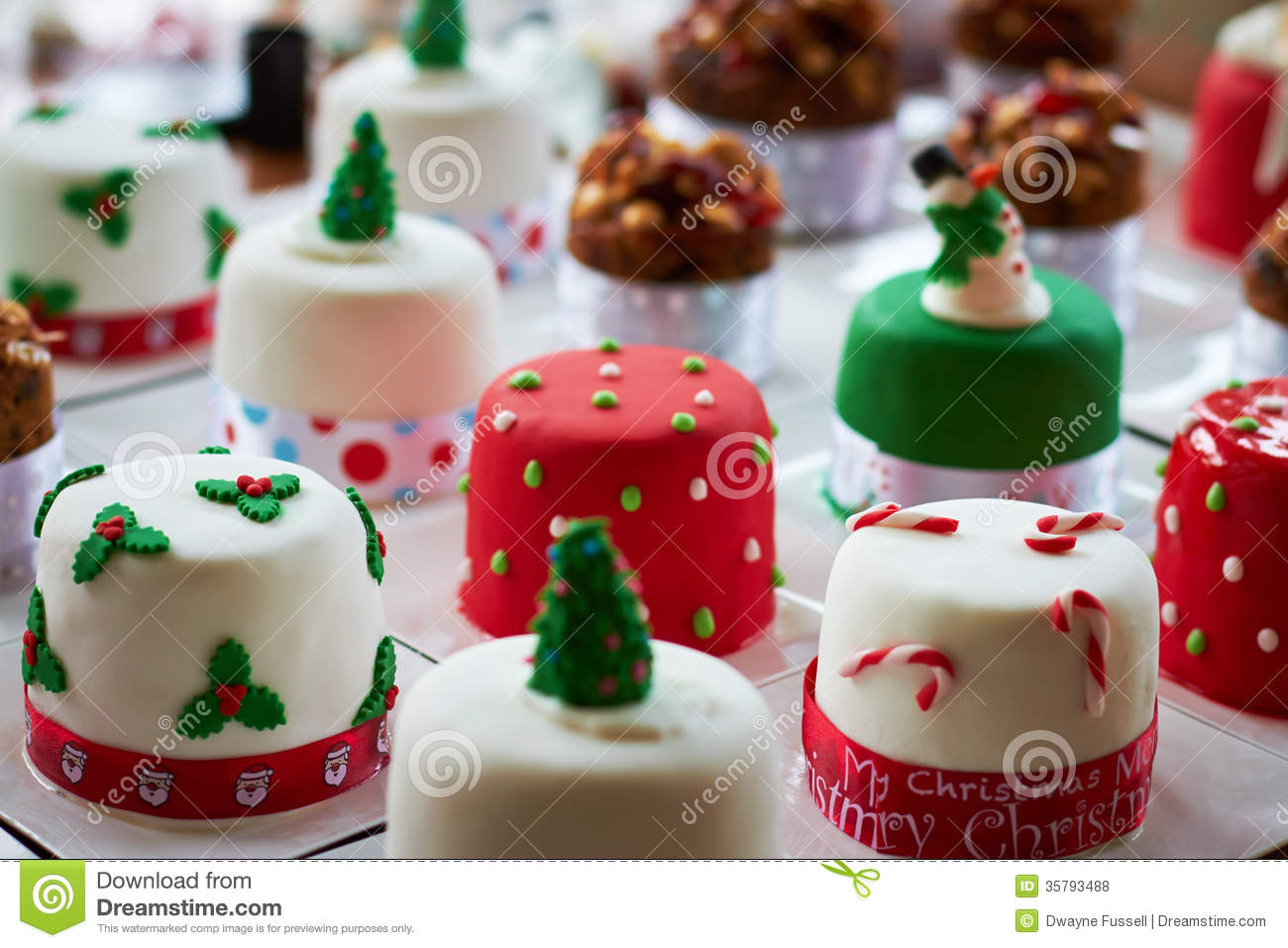M And S Small Xmas Cakes