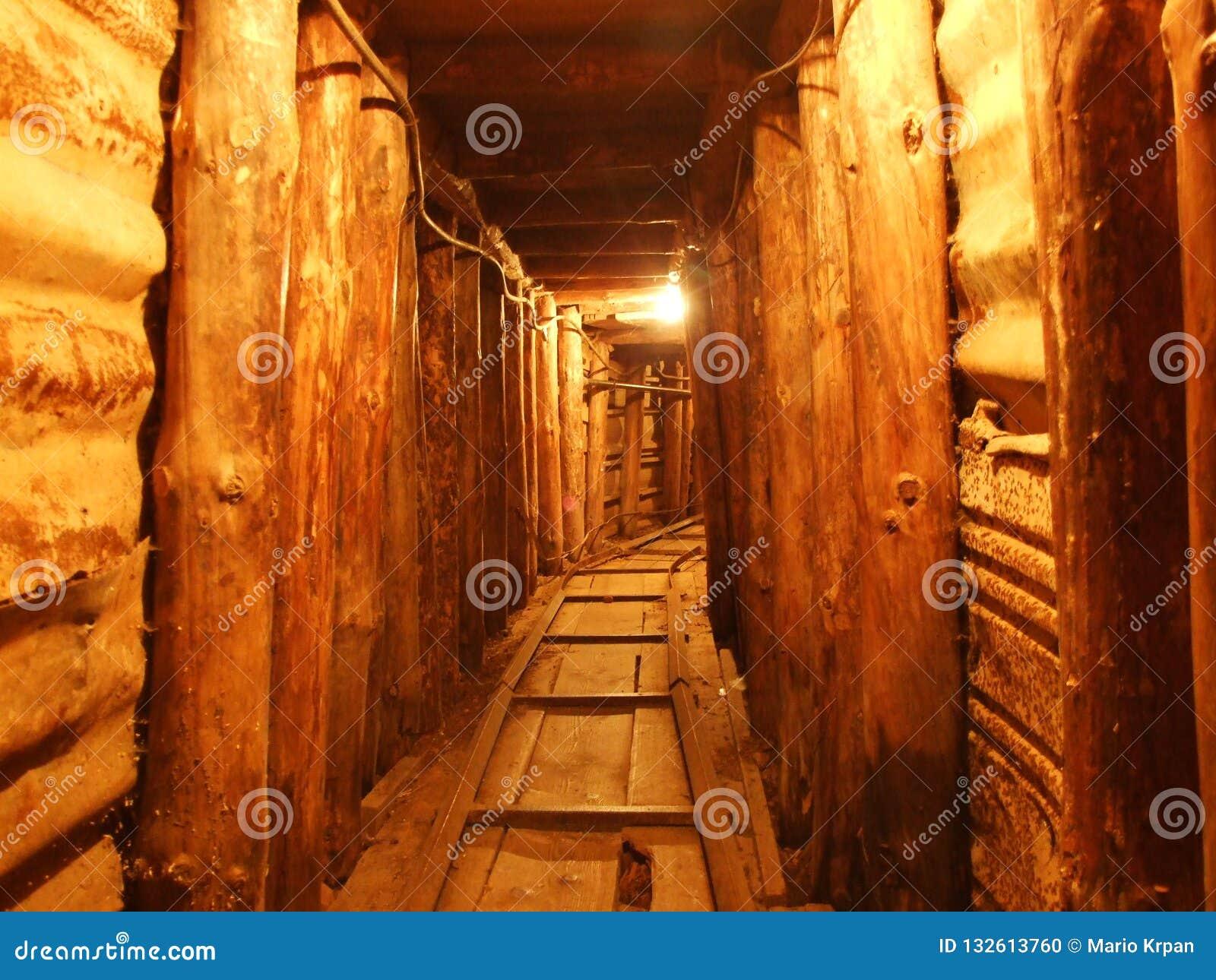 Kleiner Tunnel des Kriegs-Museums