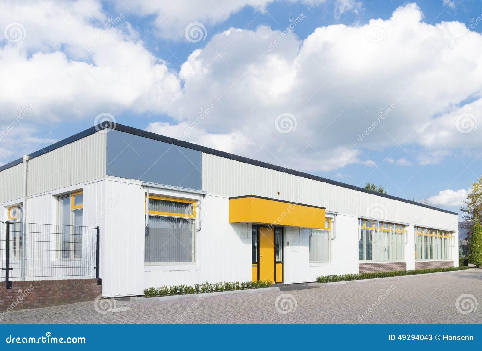 Kleines Burohaus Stockbild Bild Von Burohaus 49294043