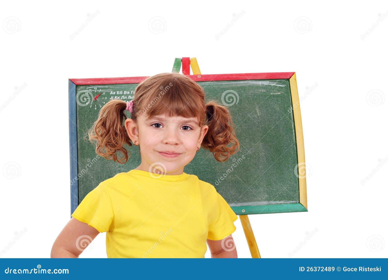 Kleines Mädchen vor einem Reißbreit