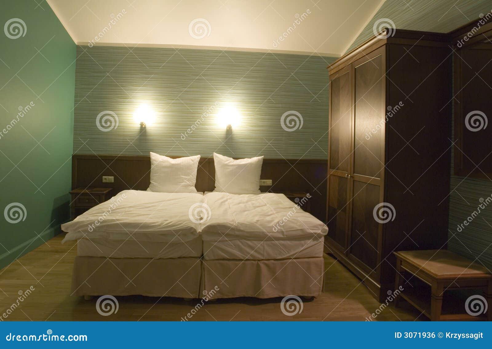 kleines schlafzimmer lizenzfreies stockbild bild 3071936. Black Bedroom Furniture Sets. Home Design Ideas