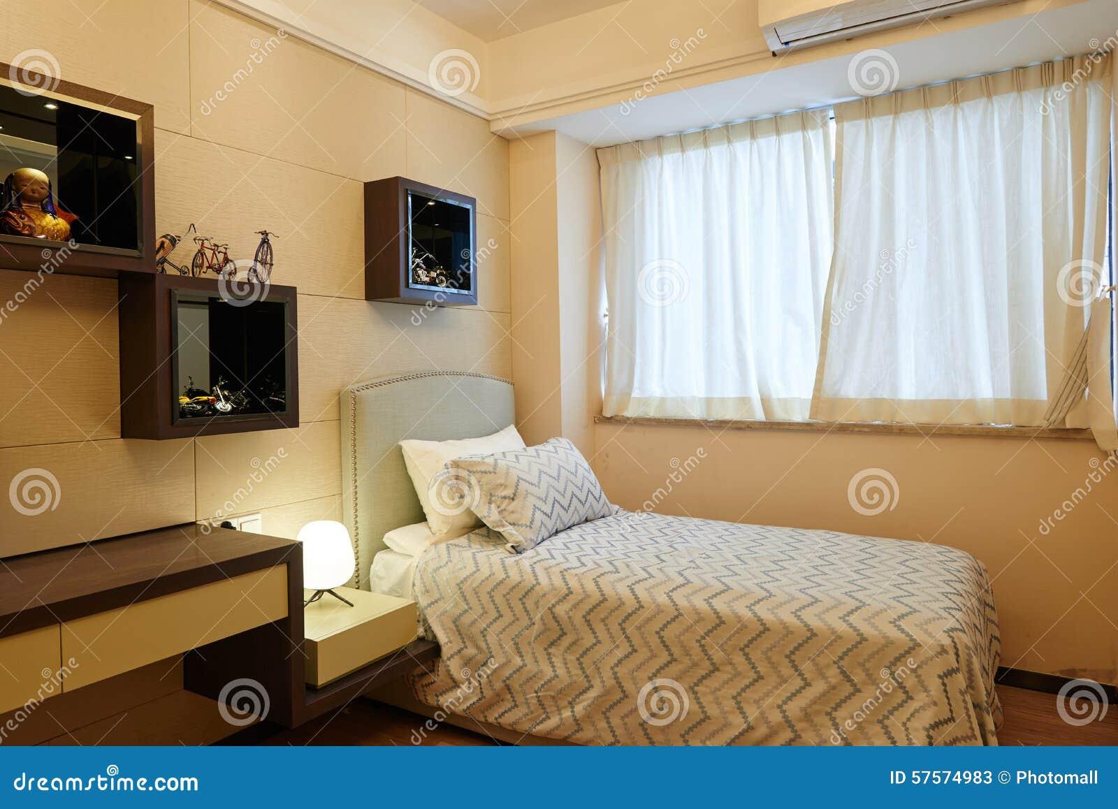 kleines schlafzimmer stockfoto bild 57574983. Black Bedroom Furniture Sets. Home Design Ideas