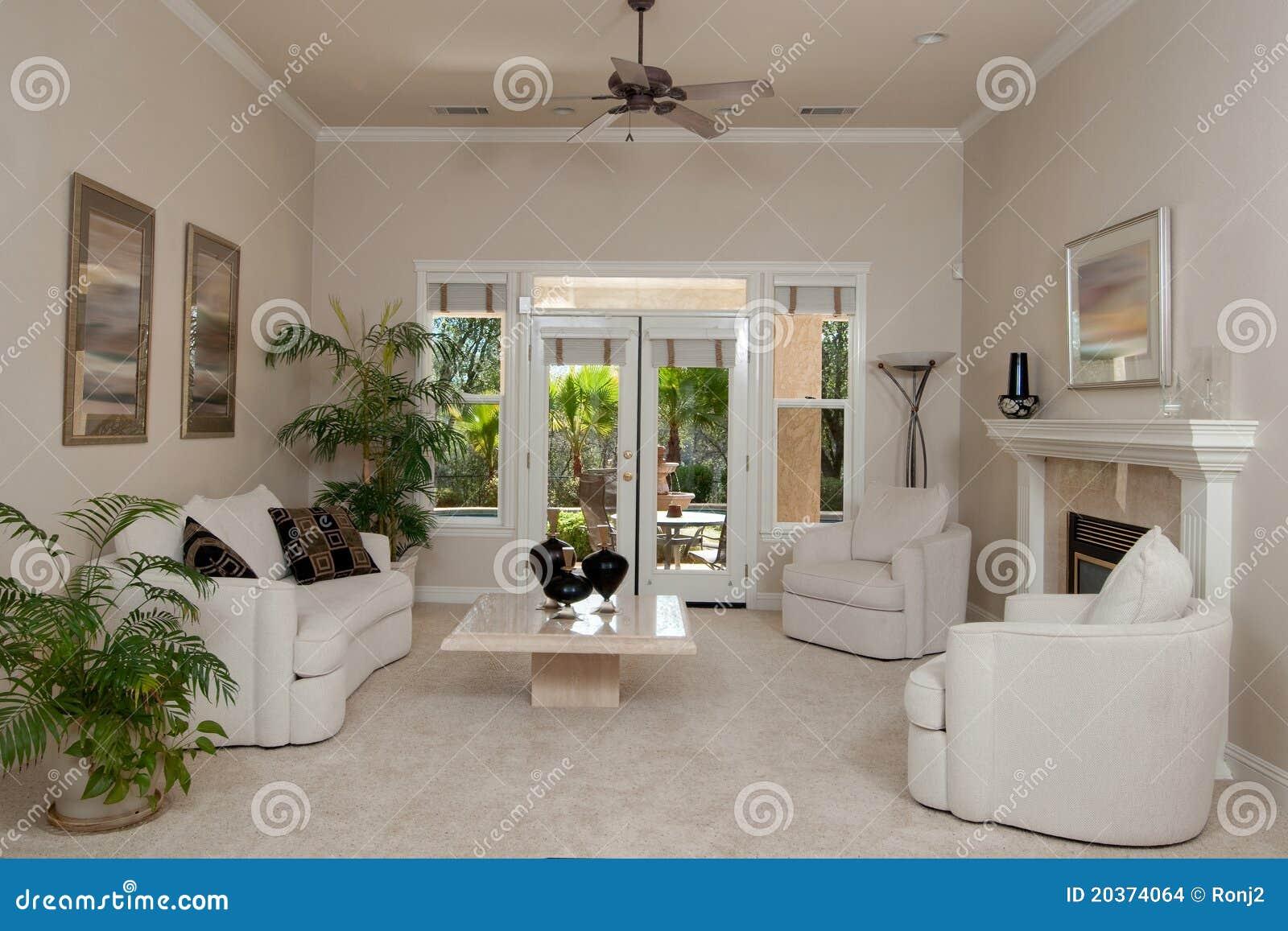 kleines wohnzimmer stockfoto bild von haupt geschnitten 20374064. Black Bedroom Furniture Sets. Home Design Ideas